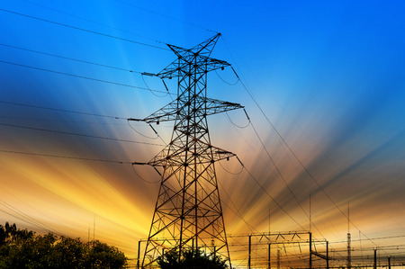 Foto de high voltage post.High-voltage tower sky background. - Imagen libre de derechos