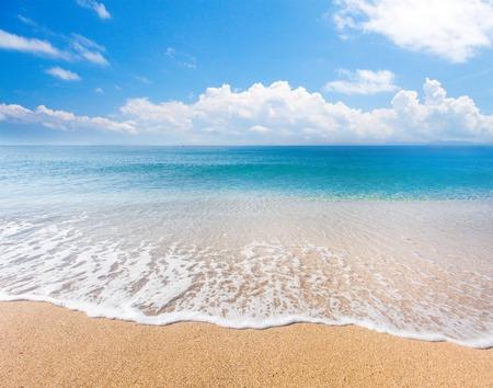 Photo pour beach and tropical sea - image libre de droit