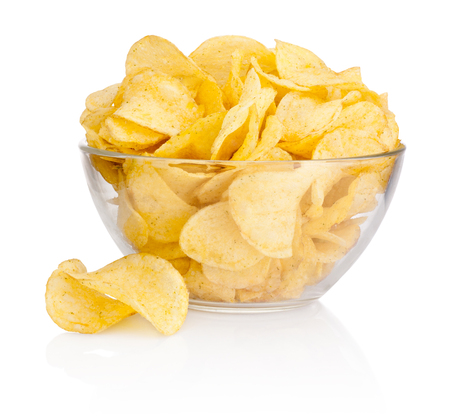 Foto per Potato chips in glass bowl isolated on white background - Immagine Royalty Free