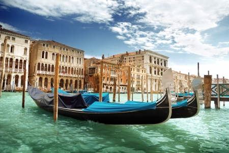 Photo pour gondolas in Venice, Italy.  - image libre de droit