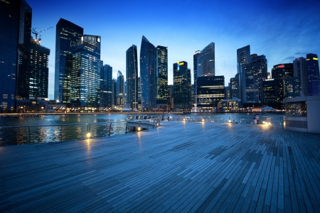 Photo pour Singapore city in sunset time - image libre de droit