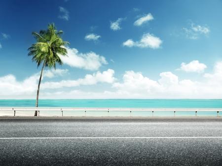 Foto de asphalt road and sea - Imagen libre de derechos
