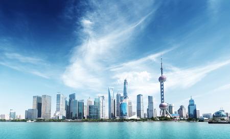 Foto de Shanghai skyline and sunny day - Imagen libre de derechos