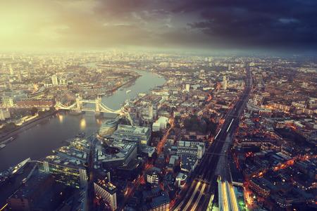 Foto de London aerial view with  Tower Bridge in sunset time - Imagen libre de derechos
