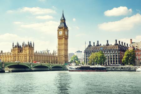 Photo pour Big Ben in sunny day, London - image libre de droit