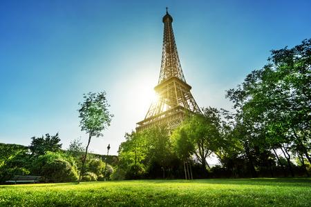 Foto de Eiffel tower in Paris, France - Imagen libre de derechos