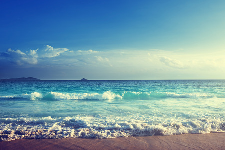 Foto de seychelles beach in sunset time - Imagen libre de derechos
