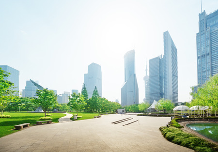 Photo pour park in lujiazui financial center, Shanghai, China - image libre de droit