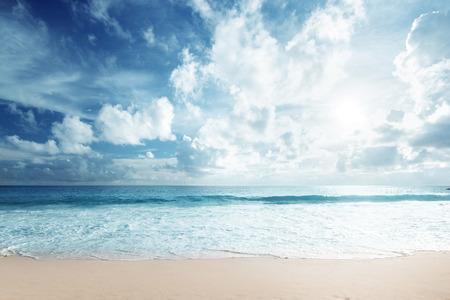 Photo pour tropical beach - image libre de droit