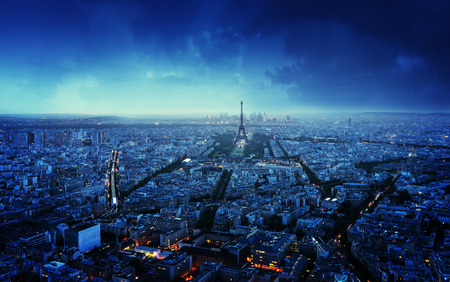 Photo pour Paris skyline at sunset, France - image libre de droit