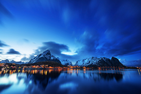 Photo pour sunset  in Reine Village, Lofoten Islands, Norway - image libre de droit