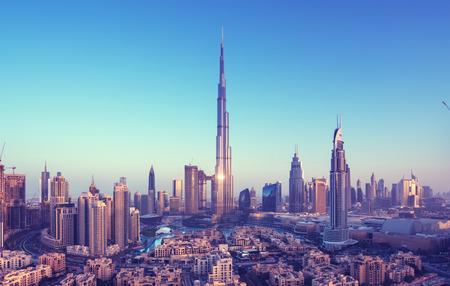 Photo pour Dubai skyline, United Arab Emirates - image libre de droit