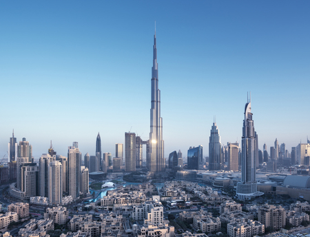 Photo pour Dubai skyline, United Arab Emirates - image libre de droit