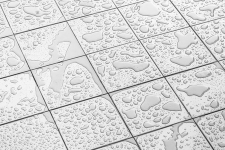 Photo pour Wet Floor Square Tile - image libre de droit