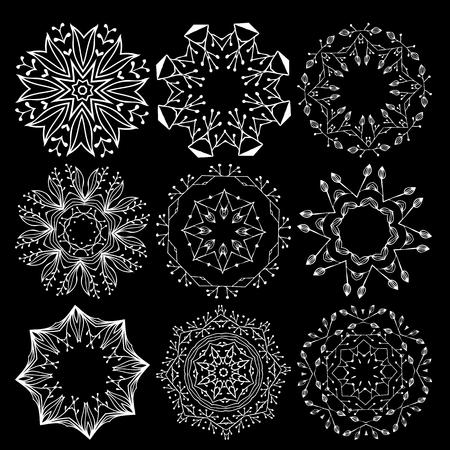 Illustrazione per Beautiful ornamental rosettes set. For ethnic or tattoo design. - Immagini Royalty Free