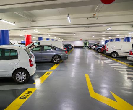 Foto de Underground garage, urban parking lot  - Imagen libre de derechos
