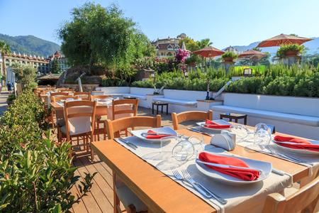 Foto de Outdoor restaurant - Imagen libre de derechos
