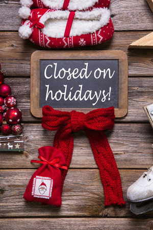 Foto de Opening hours on christmas holidays: closed; information for customers, business partners and guests. - Imagen libre de derechos