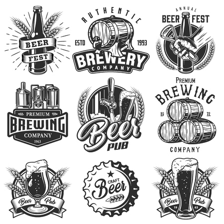Ilustración de Set emblems with beer objects - Imagen libre de derechos