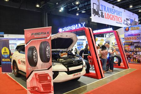 Foto de PASAY, PH - AUG. 17: Firemax tires exhibit booth on August 17, 2018 at Transport and Logistics in World Trade Center Metro Manila, Pasay, Philippines. - Imagen libre de derechos