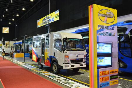 Foto de PASAY, PH - AUG. 17: Sinotruk Powertrac exhibit booth on August 17, 2018 at Transport and Logistics in World Trade Center Metro Manila, Pasay, Philippines. - Imagen libre de derechos