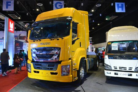 Foto de PASAY, PH - AUG. 17: Isuzu Giga tractor head truck on August 17, 2018 at Transport and Logistics in World Trade Center Metro Manila, Pasay, Philippines. - Imagen libre de derechos