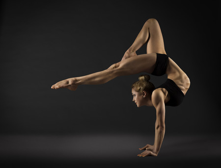 Photo pour Acrobat Performer, Circus Woman Hand Stand, Gymnastics Back Bend Pose - image libre de droit