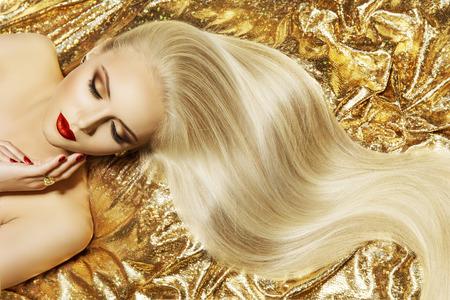 Photo pour Fashion Model Gold Color Hair Style, Woman Long Waving Hairstyle - image libre de droit