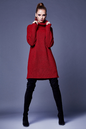 Photo pour Sexy beautiful woman elegant lady wear casual clothes for every day red wool cashmere merino knitted dress fall winter collection lather black shoes fashion style glamour model wear trend brunette. - image libre de droit