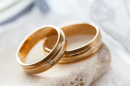 Photo pour Wedding rings - image libre de droit
