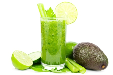 Photo pour Healthy green vegetable smoothie with cucumber, celery, avocado and lime on white - image libre de droit