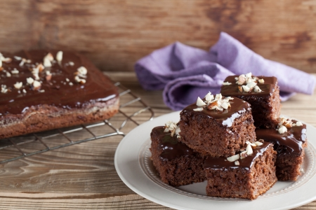 Photo pour Gingerbread cake with chocolate and hazelnuts  Shallow dof - image libre de droit