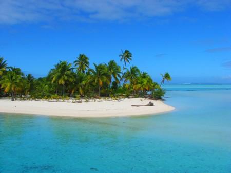 Foto de Beautiful beach in One Foot Island, Aitutaki, Cook Islands - Imagen libre de derechos