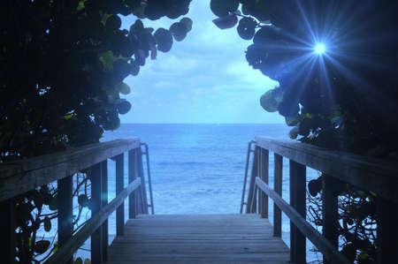 Foto de peaceful beach scene - Imagen libre de derechos