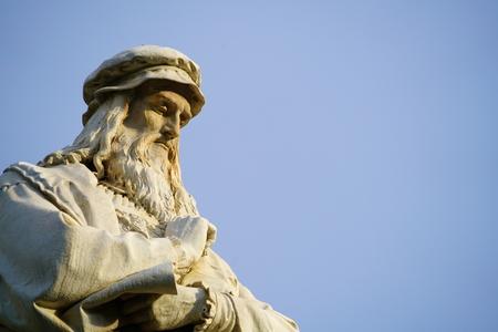 Foto de Head of the statue of Leonardo da Vinci in Milano - Imagen libre de derechos
