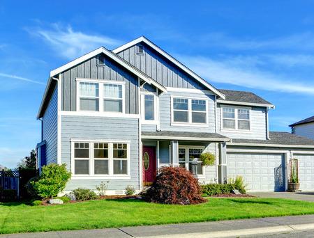 Foto de House exterior with curb appeal - Imagen libre de derechos