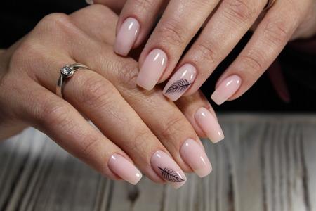 Photo pour best pink manicure on beautiful long nails - image libre de droit