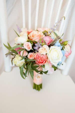 Foto de Wedding bouquet of sweet roses and other beautiful flowers - Imagen libre de derechos