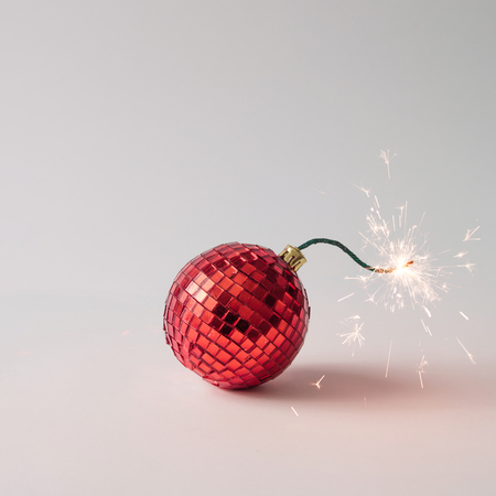 Photo pour Christmas tree decoration fuse bomb. Time for celebration. New Year concept. - image libre de droit
