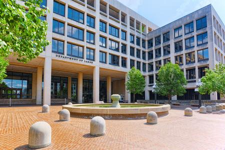 Photo pour Urban cityscape of Washington, United States Department of Labor, 200 Constitution Ave NW. - image libre de droit