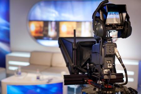 Photo pour Video camera - recording show in TV studio - focus on camera - image libre de droit