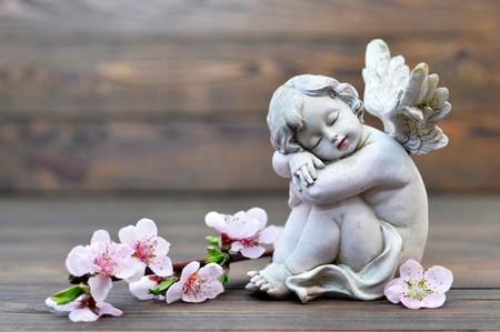 Photo pour Angel guardian sleeping - image libre de droit