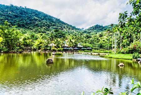 Photo pour China Hainan Baoting yanoda rainforest - image libre de droit