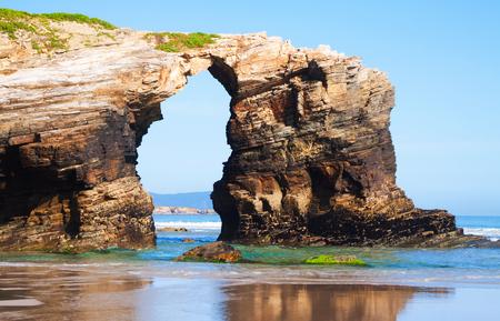 Foto de Natural arch at As Catedrais beach - Imagen libre de derechos