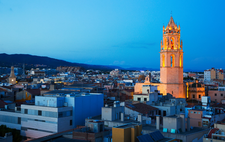 Foto per Panoramic city view with cathedral in evening in Reus - Immagine Royalty Free