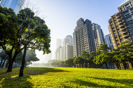 Photo pour View of a park in the downtown area of ​​Taichung in Taiwan - image libre de droit