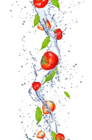 Photo pour Fresh strawberries falling in water splash, isolated on white background - image libre de droit