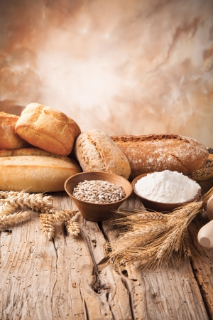 Foto de Various traditional ingredients for preparation of cooking of bread - Imagen libre de derechos