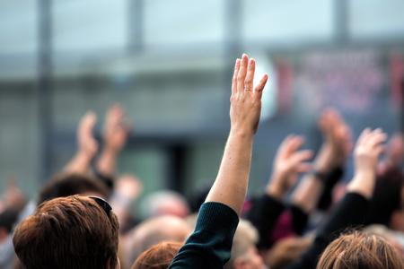 Photo pour raise your hand - image libre de droit
