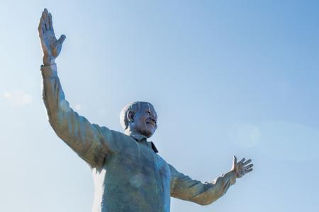 Foto de statue of Nelson Mandela - Imagen libre de derechos